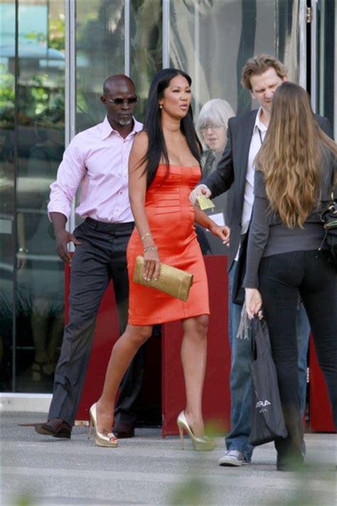 Kimora Simmons New Boyfriend Dijimon Hounsou 3 by Kimora Djimon Hounsou Leaving Spirit Awards Luncheon