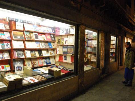 libreria cafoscarina venezia libreria al milion a venezia libreria itinerari