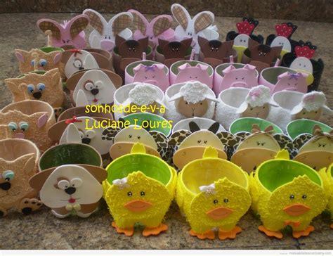 decorar un boli con un pikachu una hello kitty y una rana de goma eva cuencos con forma de animales de foamy para fiestas de