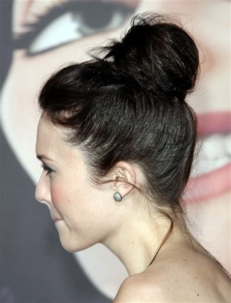 is putting hair in a bun a new fad easy way to make your hair wavy without products trusper