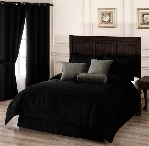 Black Comforter by Luxurious Black And White Comforters For Your Bedroom