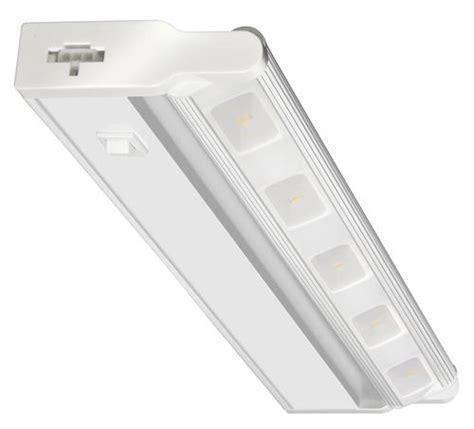 18 quot white led undercabinet light at menards 174