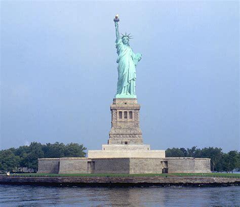 freiheitsstatue sockel leuchttuerme net portrait new york statue of liberty