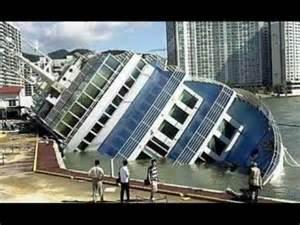 boat wrecks youtube boat crashes best compilation of boat crashes youtube