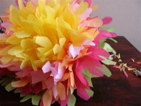 How To Make Mexican Flowers From Crepe Paper - mexican paper flowers 8 steps with pictures