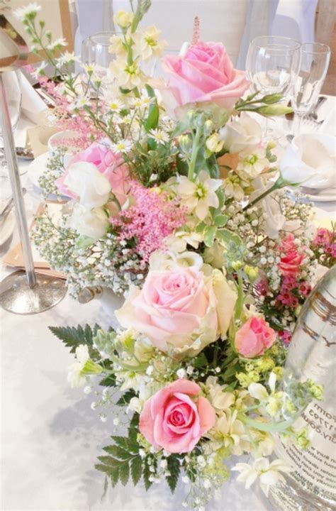 Blumen Tischdeko by Tischdeko Mit Blumen 35 Ideen Archzine Net