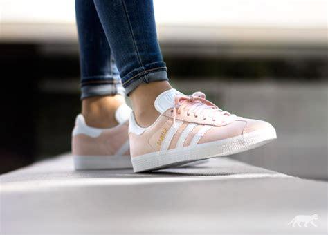 adidas gazelle light pink adidas gazelle vapour pink white gold metallic
