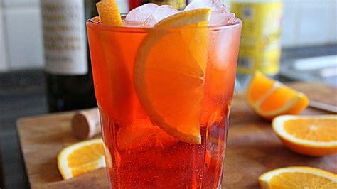 bicchieri per spritz spritz la ricetta originale cocktail veneto con