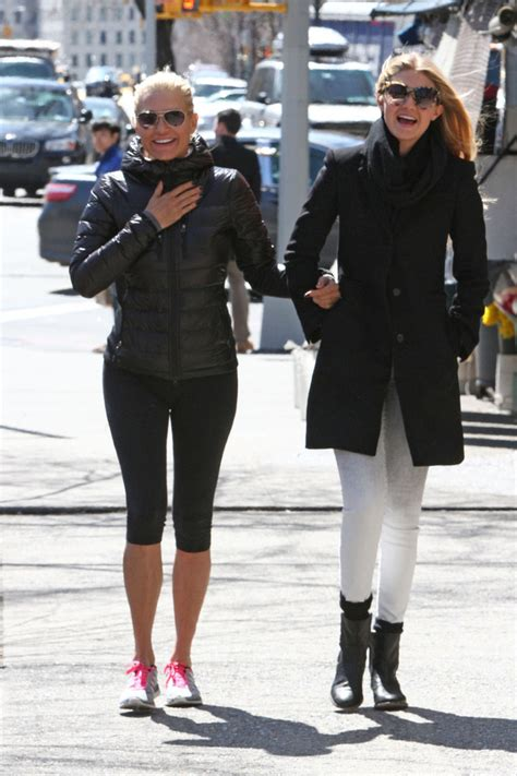 what brand are yolanda foster skinny jeans more pics of gigi hadid skinny jeans 10 of 13 gigi