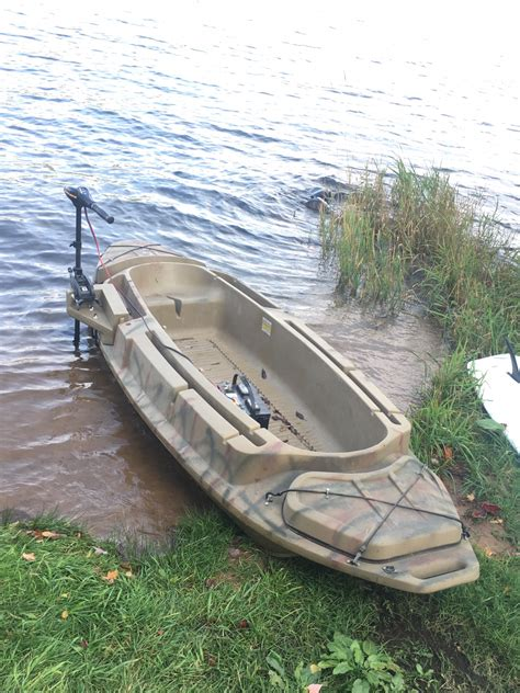 layout boat hunting clothes open water hunting sneak boat beavertail diver duck