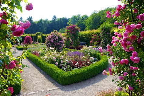 Flower Garden Wallpapers Best Wallpapers Garden Of Flowers