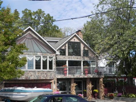 pretty lakefront homes for sale in michigan on lakefront