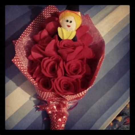Boneka Wisuda Batam jual buket bunga mawar flanel 20 tangkai boneka wisuda