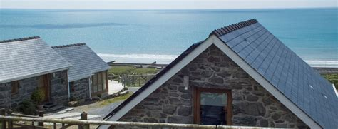 100 beach house holidays uk beach cottage ref 25222