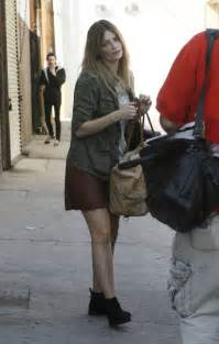 The Mccall Skirt That Mischa Barton Wore Is Now At Outfitters by Mischa Barton In Mini Skirt At Dwts Studio 04 Gotceleb