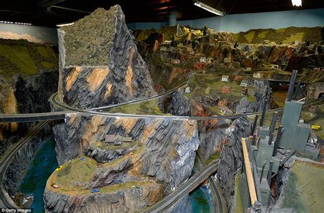 model railroad layout lighting inside the s largest model railroad boasting more