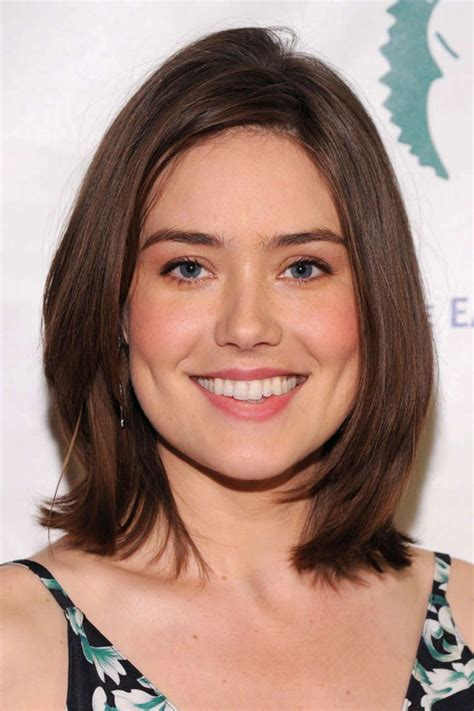 blacklist megan boone new hairstyle megan boone the blacklist wiki fandom powered by wikia