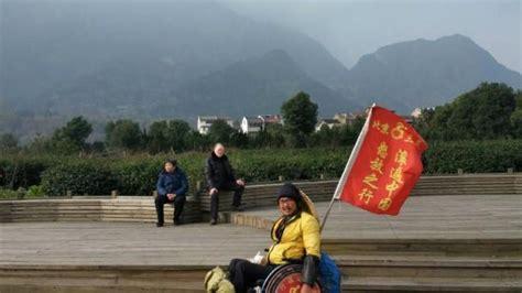 Kursi Roda Orang Cacat bermodal kursi roda pria china ini bertualang sejauh 5