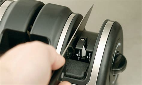 how do you use a knife sharpener how to use an electric knife sharpener it s easy if you