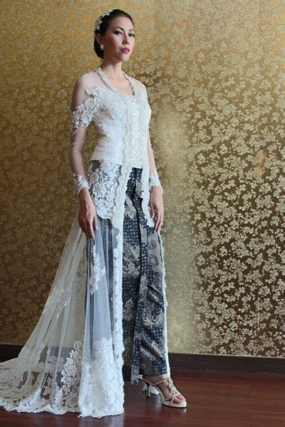 Kebaya Dr 06 25 best ideas about kebaya wedding on capes