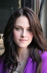 kristen stewart eye color what is kristen stewart s real eye color the twilight