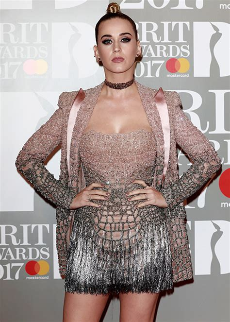 Kate Perry Wardrobe by Ellie Goulding Suffers Major Wardrobe At Brit