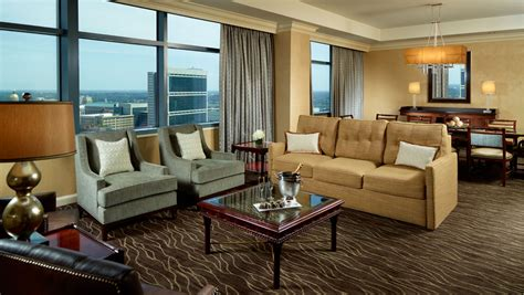 hotel suites in chicago with 2 bedrooms suites in atlanta ga omni atlanta hotel at cnn center