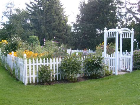 Garden Picket Fence Ideas Garden Fencing Idea Gardens Pinterest