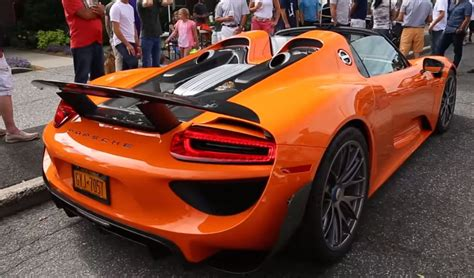 Porsche 918 Gt Spyder by How To Store The Roofs Of The Porsche Gt And 918