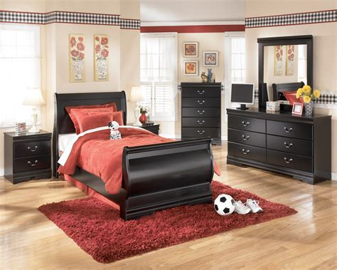 huey vineyard sleigh bedroom set ashley furniture huey vineyard bedroom set b128 77 74 98