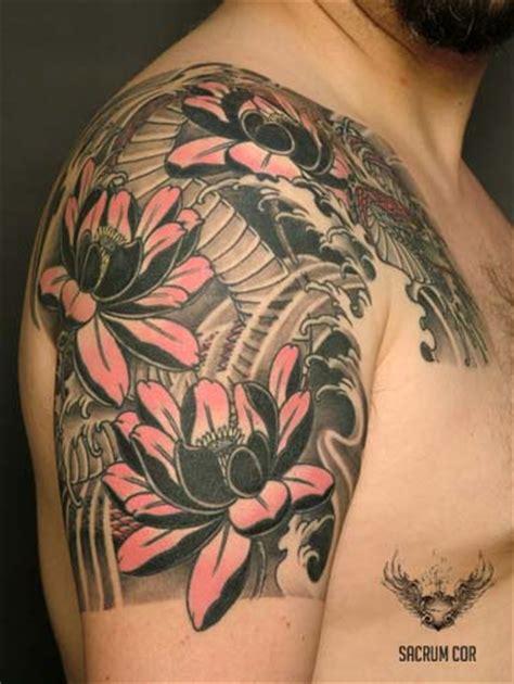 tatuaggio fiori di loto uomo quot il tatuaggio botanico quot fior di loto blossom zine