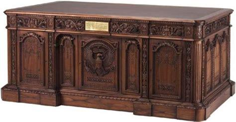 presidential desks resolute desk replica acquire