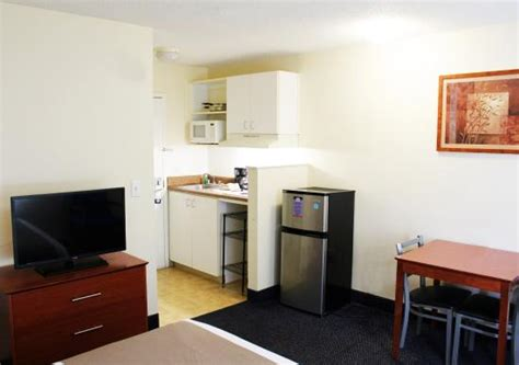 Hotel Rooms With Kitchen by Guest Room Kitchen Picture Of Suburban Extended Stay