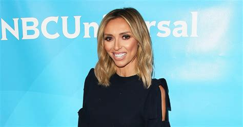 giuliana rancic dyes hair red photo us weekly giuliana rancic shows off her lean legs on the red carpet