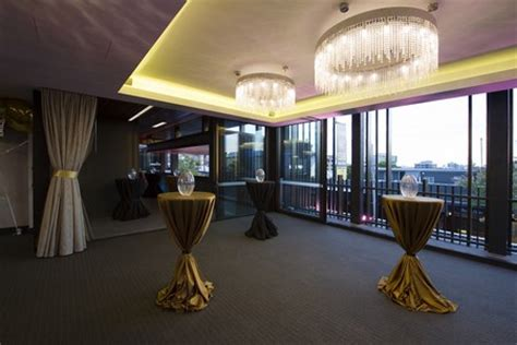 cocktail venues brisbane josies room gambaro hotel brisbane luxury hotel brisbane