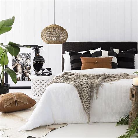 small bedroom decorating ideas black and white best 25 tribal bedroom ideas on pinterest tribal bedding aztec bedroom and tribal