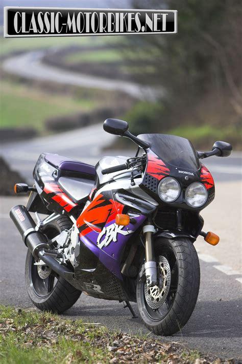 honda cbr 900 rr fireblade honda cbr900rr fireblade road test motorbikes
