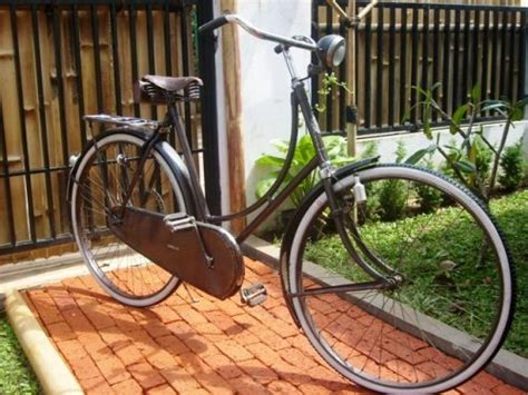 Keranjang Sepedah onthel bike the ancient and historycal bike from