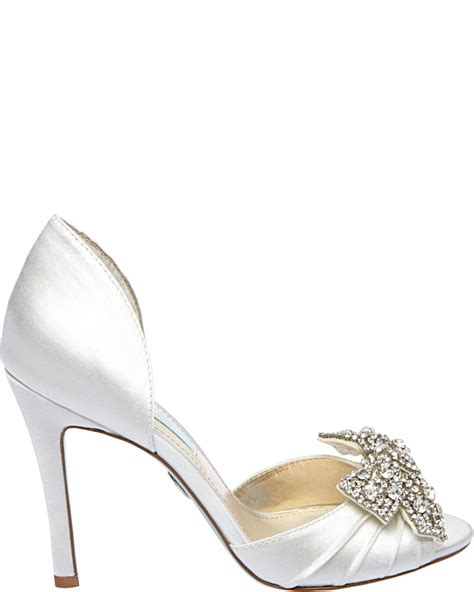 betsey johnson wedding shoes betsey johnson debuts new bridal shoe collection style