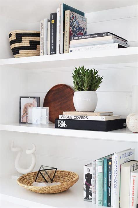 books for decorating shelves best 25 decorate bookshelves ideas on pinterest book