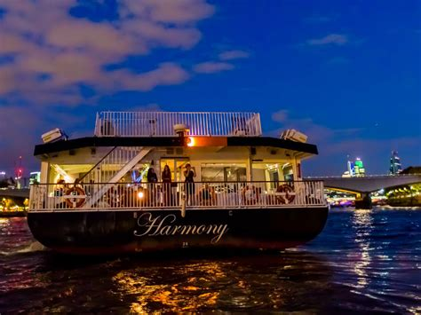 thames river cruise restaurant christmas dinner cruise on the river thames 2017