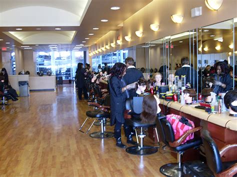 beautician cosmetology colleges and schools things to know before joining a beauty school