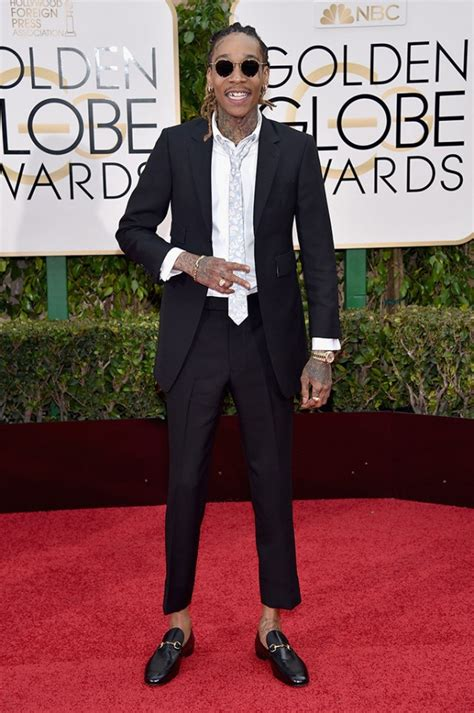 gucci loafers with suit wiz khalifa arrives at golden globes in thom browne suit