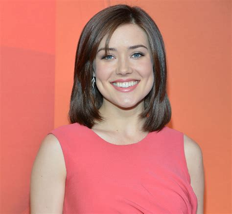Does Megan Boone Wear A Wig | celebrities who wear wigs