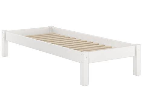 bettgestell ohne kopfteil weisses futonbett ohne kopfteil kiefer massiv 90x200