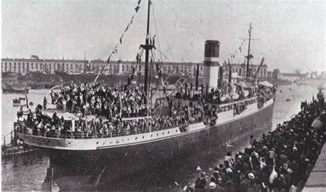 lavorare al porto di napoli immigrazione genova ricorda anche noi emigrati in libia
