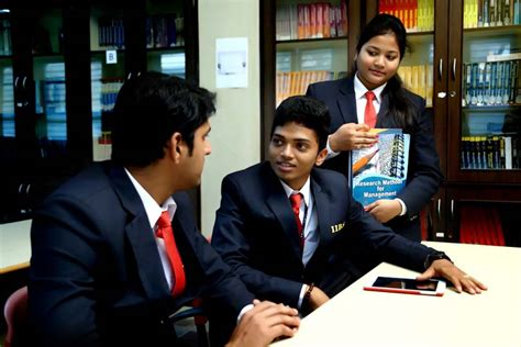 For Mba Students In Bangalore by Bangalore College For Mba Makes You A Thorough Bred
