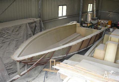 topic   build  boat hull mold gow