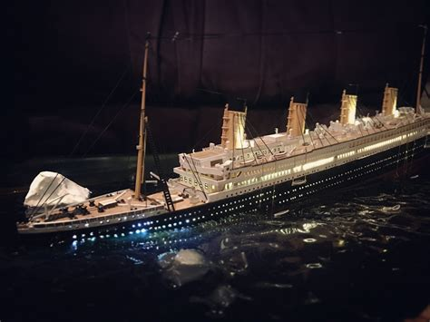 Titanic Sinking Model by Titanic Sinking Diorama Model Scale Titanic Sinking