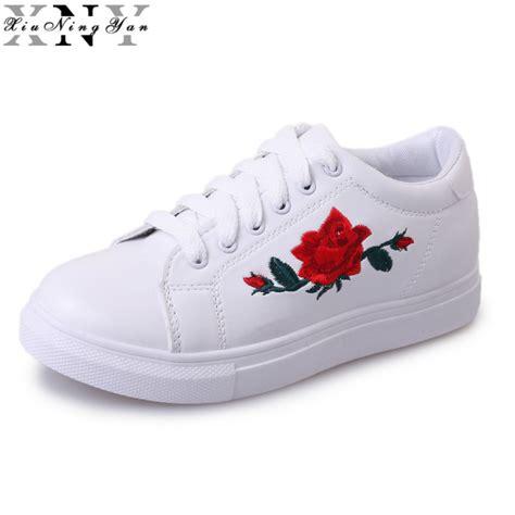 Sneakers White Flower new brand designer shoes fashion flower